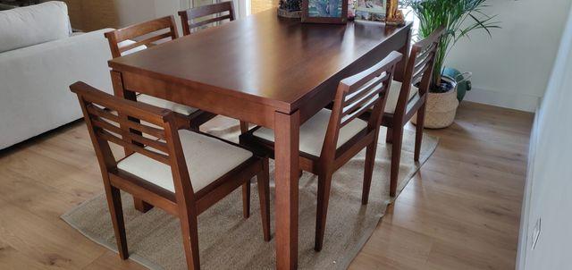 Mesa comedor y sillas.