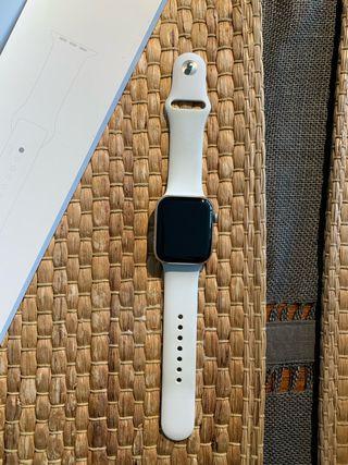 Apple Watch Series 4 (GPS + Cellular) 44mm acero