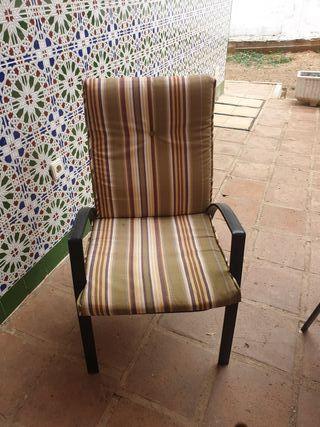 mesa y 6 sillones para jardin