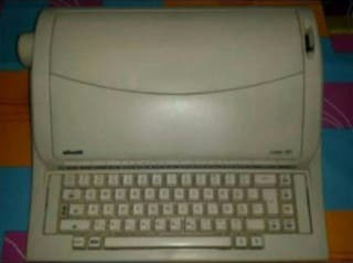 Maquina de escribir electronica olivetti