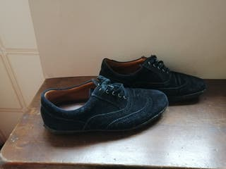 Zapato Oxford de la marca Lottuse en ante negro
