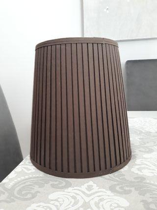 Lámpara marrón
