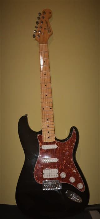 Fender Stratocaster Rosewood+ Sonora+ Amplificador