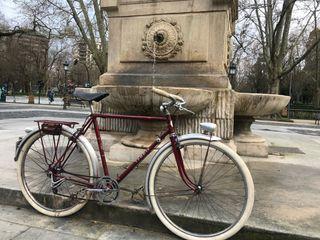 Bicicleta antigua tendil