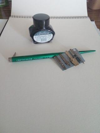 Plumillas y tinta Cretacolor.