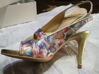 Zapatos de salón, Sandalias Fiesta