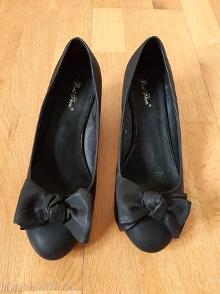 Zapatos negros con cuña T.40