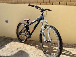 Bicicleta Dirt FOX