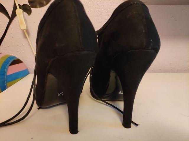 Zapato tacón negro fiesta