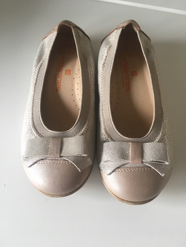 Zapato mercedita de piel numero 26