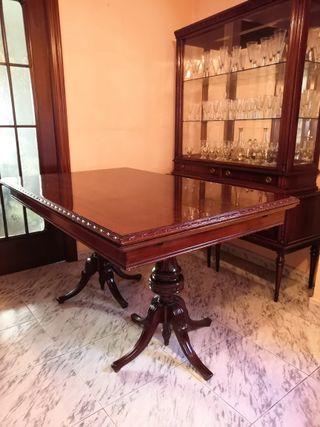 Conjunto de muebles de salón antiguos