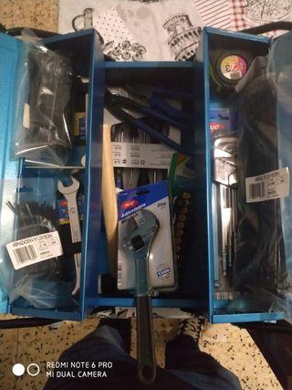caja de herramientas completa sin estrenar.