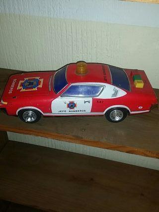 coche de juguete antiguo