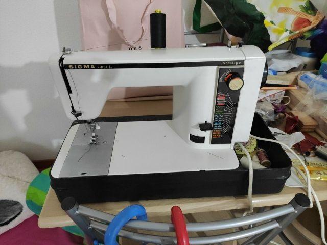 Maquina de coser Sigma 2000 SL de segunda mano por 110