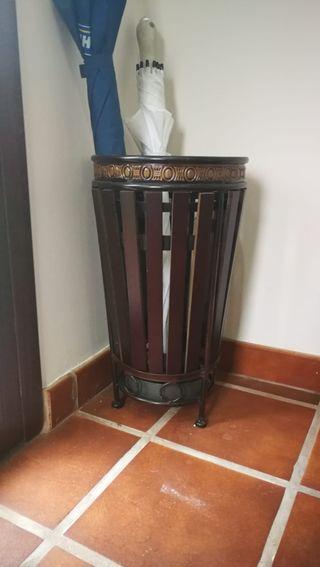 Paragüero de madera
