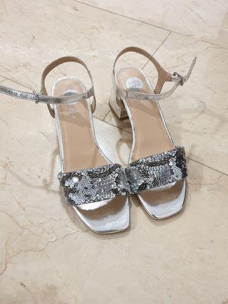 Sandalias Plateadas Gioseppo