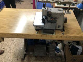 Máquina de coser Overlook