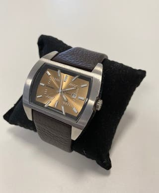 Reloj Diesel modelo 5 BAr