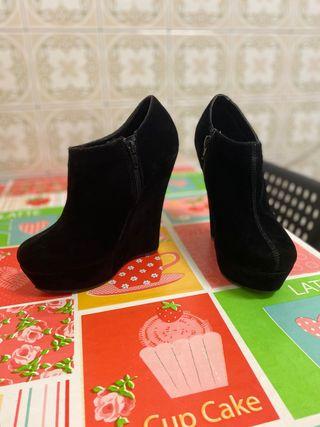 Zapatos tacón negros