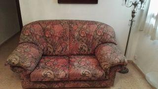 Conjunto de dos sofás de dos plazas.