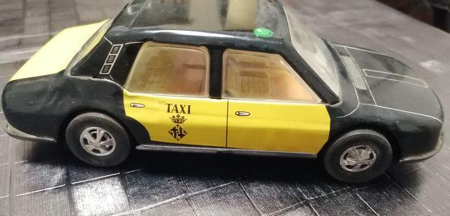 Taxi antiguo Juguetes Roman