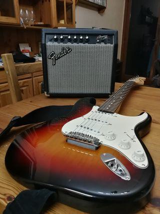 Guitarrara eléctrica Fender Stratocaster con Ampli