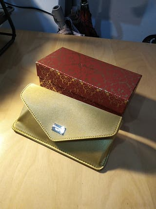 Estuche Dolce Gabbana dorado