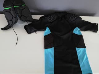 Pack marca KIPSTA: camiseta técnica rugby y casco