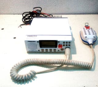 Radio emisora marina President MC 6800 DSC