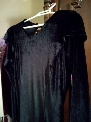 Vestido de terciopelo negro