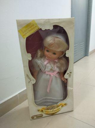 Muñeca comunion de famosa