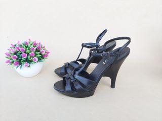 Lodi sandalias negras de piel Talla 37