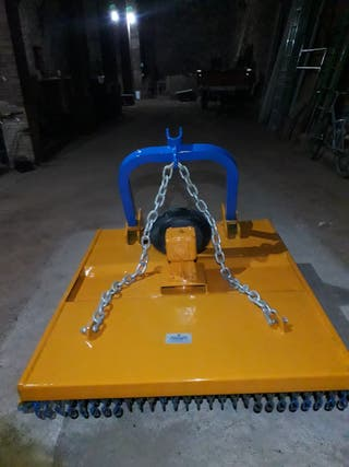 Desbrozadora tractor de cadenas