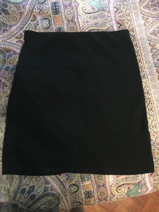Falda de tubo negra Pull and Bear