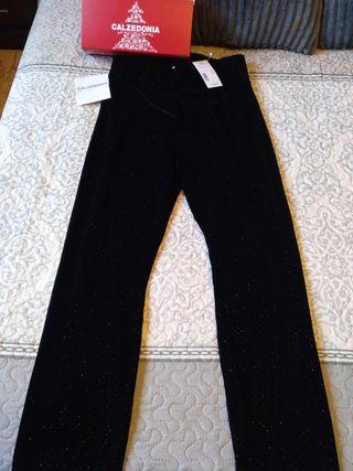 pantalón nuevo de fiesta con etiqueta CALCEDONIA