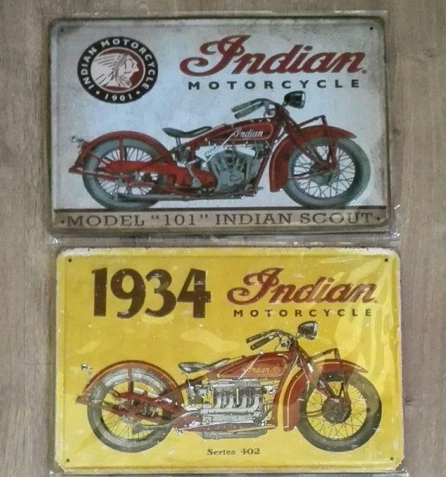 Lote de carteles de moto Indian.