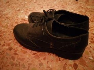 zapatos cordones negro