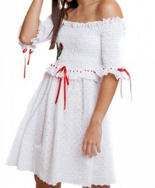 Mangata Vestido blanco con bordado de gallo