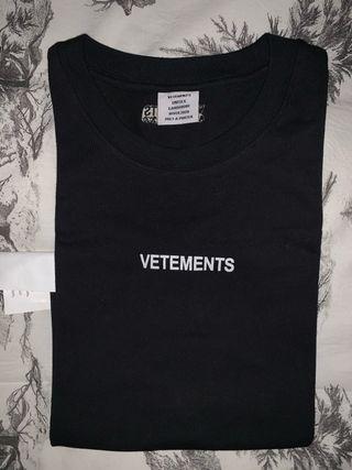 Camiseta Vetements