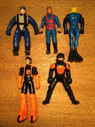 5 muñecos Action Man todos 4€