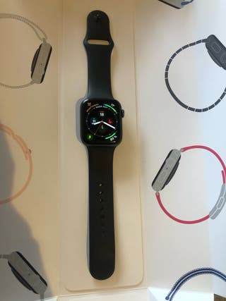 Apple watch 4 + soporte de carga