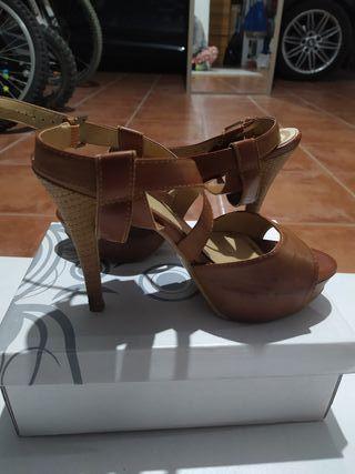 zapatos - sandalia N°39
