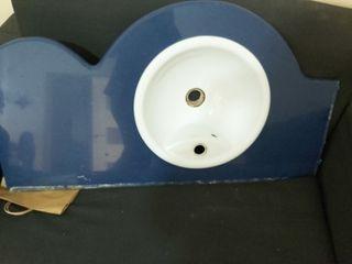 Preciosa bancada baño de silestone azul maziza