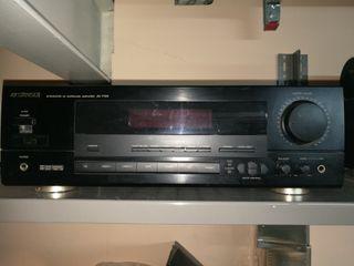 Amplificador y sintonizador