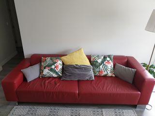 Sofá vintage rojo