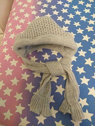 capota con bufanda bebé