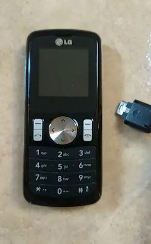 LG GB102 con cargador en buen estado mucha bateria