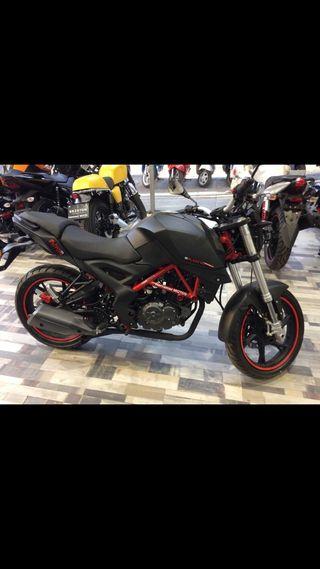 Se vende moto 125