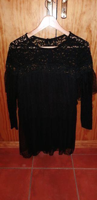 Vestido/traje negro de encaje
