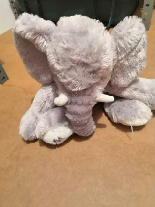 Elefante de peluche marionnaud